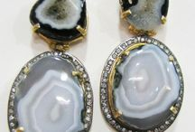 Costume Jewelry / The collection of best Costume Jewelry - Exclusively offered by Zede Jewelry.