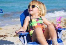 Bañadores infantiles / Porque los bañadores para niños y niñas no tienen por qué ser sosos. ¡Inspírate con estas ideas! La fuente de todas las fotos está referenciada en nuestro blog.