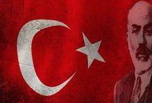 İstiklâl Marşı Şairimiz Mehmet Akif Ersoy'u vefatının 78. yılında rahmet ve minnetle anıyoruz.