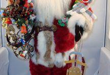 Heirloom Santas by Artist Diane Smith