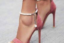 Νυφικά παπουτδια