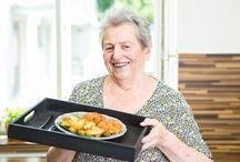 babička vaří a peče