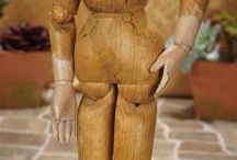 body painting wooden doll