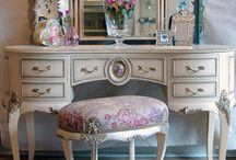 Mirror / Dressing table