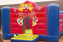 Springkussen Clown Flappie / Met dit grote vrolijke clown's kussen wordt elk feest een succes.