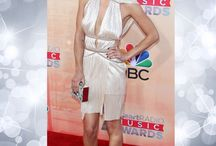 iHeartRadio Music Awards 2015: Best Dressed / This year's iHeartRadio Music Awards didn't only see Madonna and Taylor Swift come together for a duet, it also featured a lot of amazing outfits on the Red Carpet. Heatworld brings you a selection!