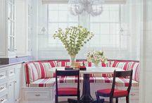 Tables, pöytiä