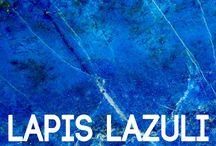 Joyería Lapislázuli: Una Piedra Influyente / Lapislázuli es una piedra influyente con muchas propiedades que puede ser usada en todo tipo de joyería. Encuentra los mejores diseños con esta piedra en https://tendenciasjoyeria.com/joyeria-lapislazuli-una-piedra-influyente/
