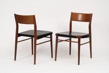 """Georg Leowald / Georg Leowald was een van de belangrijkste ontwerpers in de 50er en 60er jaren. Geboren in Düsseldorf in 1908. Hij studeerde architectuur en na WOII werd hij Professor op de """"Hoge school voor de Beeldende Kunsten (HfBK) in Berlijn. Vanaf 1957 doceert hij product ontwerp op de Design Academy in Ulm (HfG). Voor Wilkhahn heeft hij veel succesvolle lijnen ontworpen. Als architect heeft hij gebouwen ontworpen die nog steeds interessant zijn door zijn oplossingen. Hij stierf in 1969."""