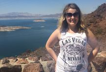 Hoover dam selfie / While on vacation I stopped at Hoover dam