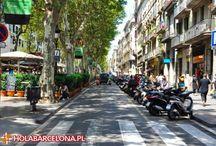 La Rambla / Najsłynniejsza i najbardziej oblegana przez turystów ulica Barcelony. Ciągnie się od Plaça de Catalunya aż do morskiego wybrzeża – Port Vell. jest granicą dwóch dzielnic Barri Gotic i El Raval. To tam można spotkać artystów, malarzy i muzyków. La Rambla nie zasypia.