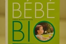 """Mes livres """"Maternité"""" / Ma bibliothèque de livres concernant la grossesse, les bébés, l'allaitement, le maternage...  / by Florence de BabySteps Planner"""
