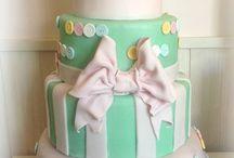 Torta Battesimo Farfalle / #battesimo #tortabattesimo #tortedecorate #cakedesign #tortaperbattesimo #aurora #tortaromanitca #english #style #tortacompleanno #tortedautore #tortapersonalizzata www.torteamorefantasia.com #tortaapiani #weddingcake #tortepereventi #castelliromani #genzano #ariccia #lanuvio #velletri #roma