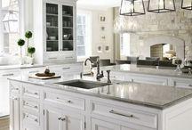 Λευκές Κουζίνες