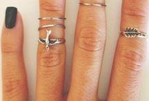 ⇸ Nails