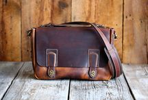 Best Leather Goods All Made in America / Leather Built has scoured America and has curated the best leather goods we could find.  What we put together is the highest quality leather crafted by skilled leather artisans across the United States.