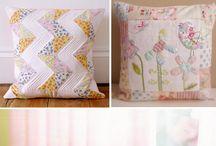 ALMOFADAS / Redondas, quadradas, retangulares, de bichinho, com formato de maçã, rolinhos, travesseiros...