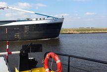 Crossing waters / Bruggen en veerponten