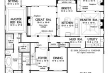 Floor Plans / by Saneth Brown