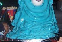 Monsters Vs Aliens / Monsters VS Aliens themed birthday party ideas & cakes