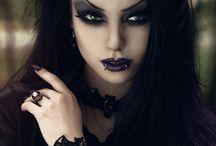 Krvavý měsíc (Blood moon) / Na tuto nástěnku patří vše temné, včetně...gotiků a i gotiček, temném stylu hudby a docela i módy. Můžou se zde i objevit různí interpreti...zkrátka, tato nástěnka je hlavně pro tvrďáky.