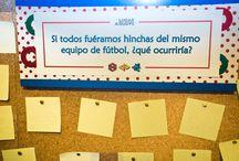 En la cartelera nos hacemos preguntas... / En nuestra cartelera vamos dejando preguntas para que los asistentes nos dejen su opinión.