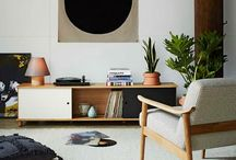 Armchairs/Chairs/Loungechairs
