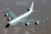 avion de ligne .avion de l'armée .