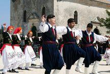 Ήθη, έθιμα και παραδόσεις του ελληνικού λαού