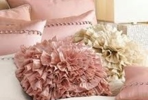 Pillows / decorative
