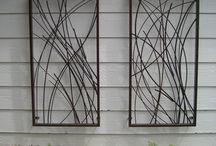 Tel işi obje yapımı / Tel metaryali kullanılarak yapılan masa ustü ve duvar panolarının oluşturulması.