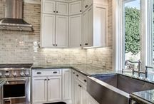 Dream home kitchen / by Julie Dickinson
