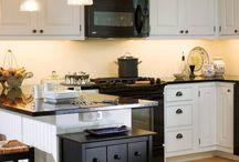 new black and white kitchen