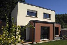 Maison individuelle aux couleurs vives ! / Beaucoup de vie dans cette construction Trecobat