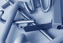 Möbelbeschläge / Aluminium-Rahmensysteme · Abfallsysteme · Abdeckkappen / Anschlagpuffer · Abluftsysteme · Badbeschläge · Bett- / Polsterbeschläge · Bodenträger · Bürobeschläge · Garderoben / Zubehör · Glasbeschläge · Handläufe · Küchenbeschläge · Lichttechnik · Möbelfüße · Möbelgriffe · Möbelrollladen · Möbelschlösser · Regalsysteme · Rollen & Räder · Scharniere · Schiebetürbeschläge · Schubkastensysteme · Steckdosensysteme · Tischbeschläge · Verbindungsbeschläge