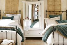 guest bedroom / by Jennifer Ellett-Kelley