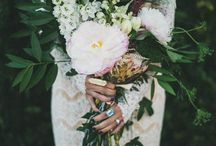 The Flowers / Weddings & Elopements / Inspiration for choosing the flowers for your wild elopement or your intimate wedding bouquet - colours, style, textures