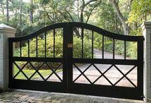 Puerta de hierro cruzado