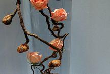Transparente blomsterkreasjoner