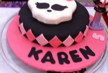 cakes / by Isabel Loera