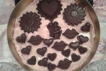 """""""SEVGİLİLER GÜNÜ"""" ÇİKOLATA SANATI / Ev yapımı butik çikolataları.Tarif çok eski bir çikolata tarifi-tamamen doğal maddeler kullanarak yapılıyor.Kakao,kakao yağı özel yurt dışından getiriliyor.Sanayi yağlar,margarin kesinikle kullanılmıyor."""