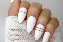 nails almond matte design