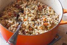 Veggies: Legumes (peulvruchten) / Limabonen, flageolettes, witte bonen, bruine bonen, chilibonen, kidneybonen, etc.  Chickpeas staan op een eigen bord :-)