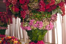 Floral arrangements. / Growing and arranging flowers