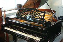 Bechstein Fans / Various pins of Bechstein Pianos
