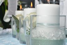 Tischdeko kerzen und Blumen