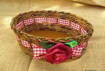 Baskets - moje papierové motkanie / táto nástenka je o tom, čo rada robím vo voľných chvíľach, je aj o mojom vzťahu k ekológii a recyklácii