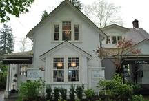 LITTLE WHITE HOUSES / by Kelly Allardyce