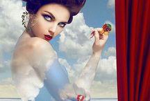 Lydia Courteille: Un Mundo Lleno de Fantasía / Lydia Courteille es una diseñadora de joyería francesa que es mundialmente famosa por sus impresionantes piezas inspiradas en la historia y naturaleza. Encuentra lo mejor de esta diseñadora en: https://tendenciasjoyeria.com/lydia-courteille-joyeria/