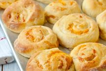Homemade Bread and Rolls / There is nothing like the smell of #FreshBread baking in your home!